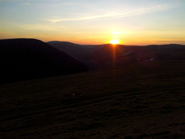 Sun setting west over the Border Ridge from Bought Law, just 10 mins down to the car