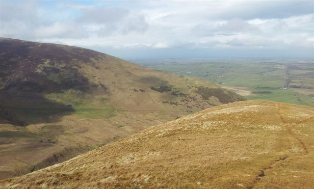 Reaching the end of Souther Fell looking north over Carrick Fell - 3.35pm