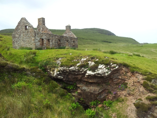 Diversion to the haunted ruined bothy of Sandwood House