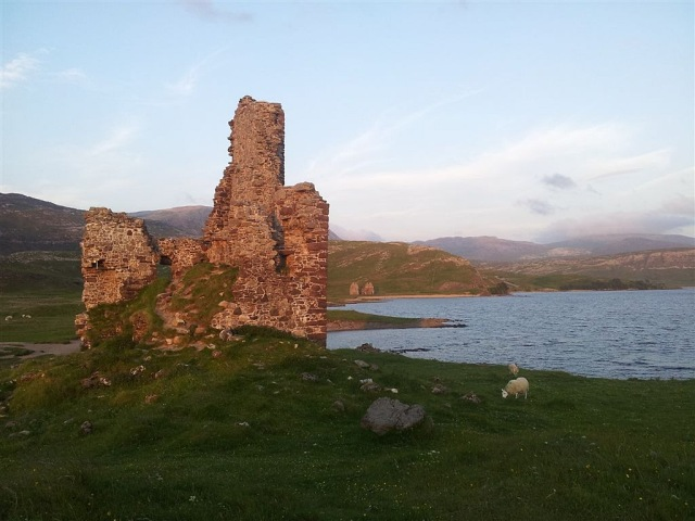 Ardvreck Castle looking south, over the golf course!