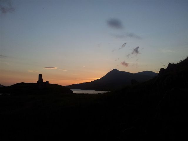 Ardvreck & Quinag, looking like a cardboard cut out