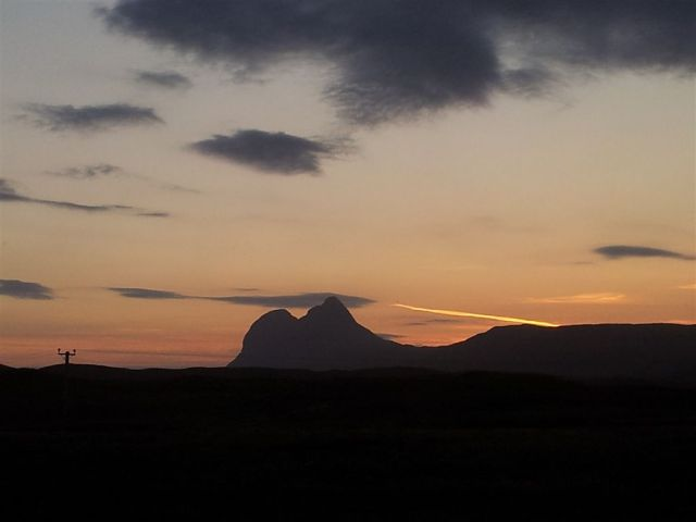A glimpse of the beautiful Suilven on the journey back