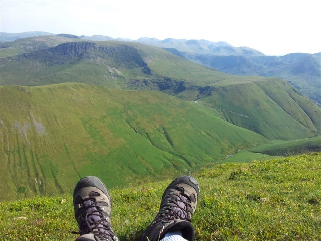 On Wandope looking east over Ard Crags