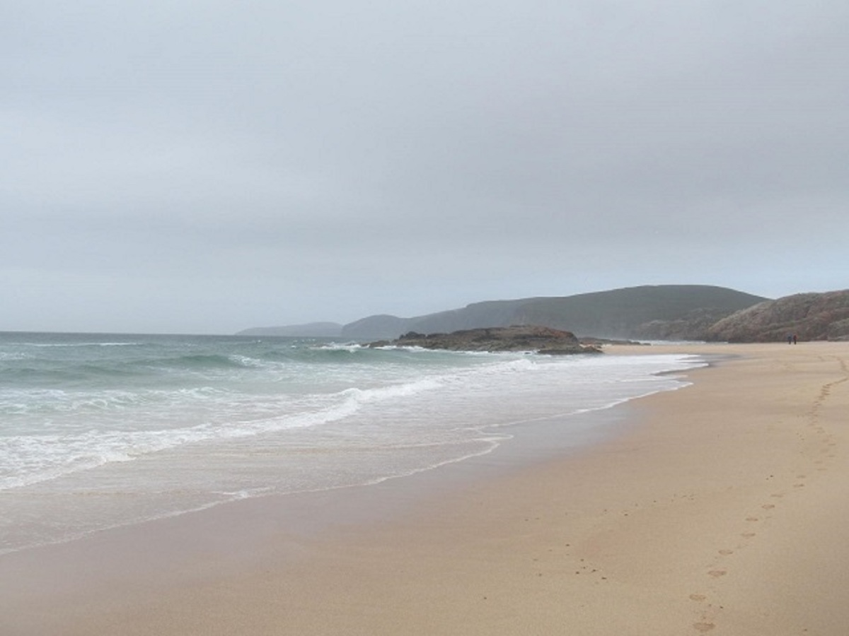 A Walk to the Beach - Sandwood Bay!