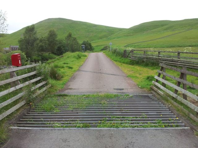 My nemesis - the Barrowburn cattle grid!! I returned 2 weeks later