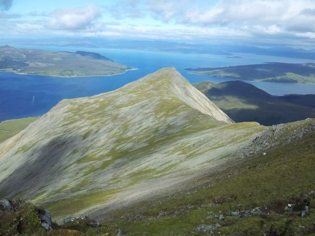 From Glamaig east over Scalpay to the cloudy mainland